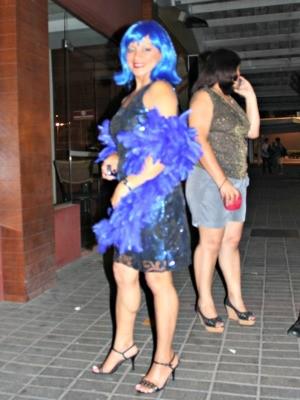 Público caracterizado evento em homenagem à Donna Summer (Foto: Adneison Severiano G1/AM)