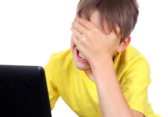 Ohh, que mico! Posts embaraçosos no Facebook são a maior dor de cabeça (Foto: Pond5)