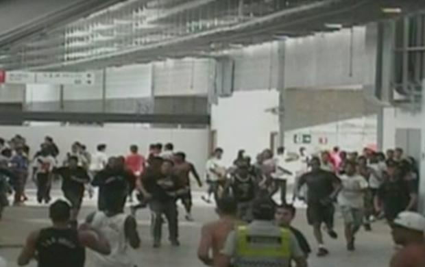 Imagens circuito interno, Mané Garrincha, confusão, Corinthians, Vasco (Foto: Reprodução/SporTV)
