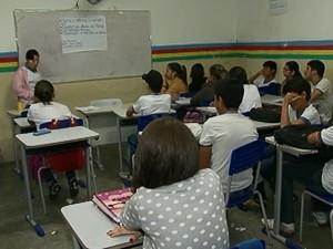 Escola em Venturosa (Foto: Reprodução / TV Asa Branca)