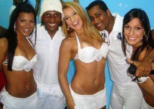 Juliane Almdeida na época em que dançava no grupo É o Tchan! (Foto: Reprodução/Instagram)