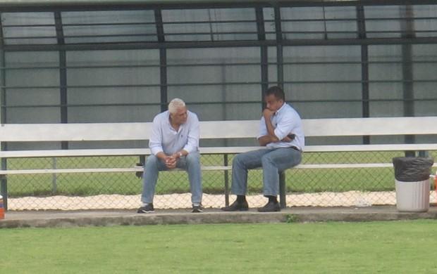 Daniel Freitas e Roberto Dinamite Vasco (Foto: André Casado / GLOBOESPORTE.COM)
