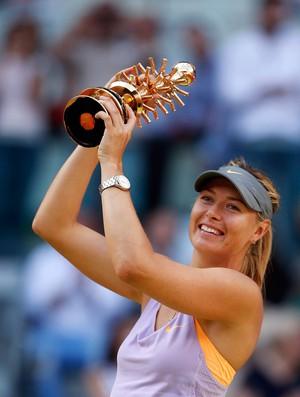 Sharapova x halep tenis masters madri taça campeã (Foto: Reuters)