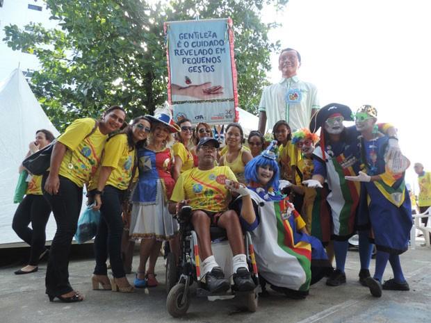 Ideia de integrar crianças ao bloco partiu do Instituto Arthur Vinicius (Foto: Thays Estarque/G1)