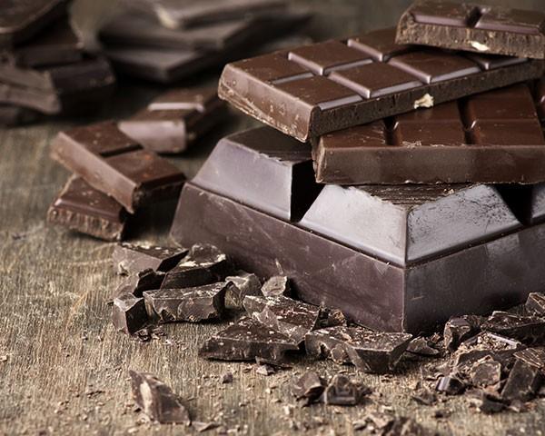 O chocolate é um antioxidante poderoso e ainda aumenta a libido (Foto: Thinkstock)