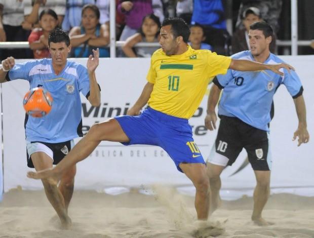 Bruno Xavier Brasil Uruguai futebol de areia (Foto: divulgação)