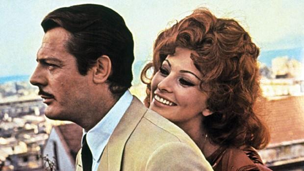 Marcello Mastroianni e Sophia Loren em Matrimônio à italiana (Foto: Divulgação)