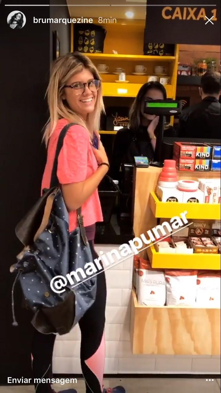 Bruna Marquezine comemorou o encontro inesperado com Marina Pumar no Rio (Foto: Reprodução)