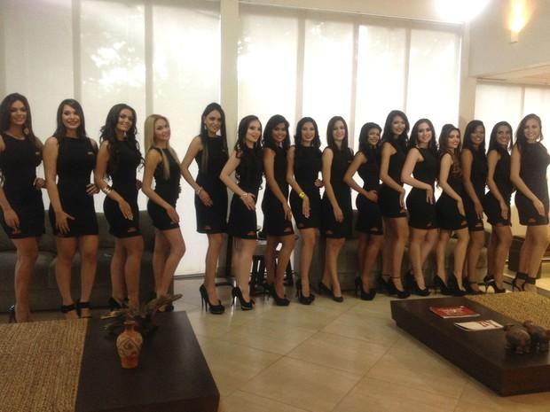 16 candidatas disputam o título de Miss Amapá 2015  (Foto: Jéssica Alves/G1)
