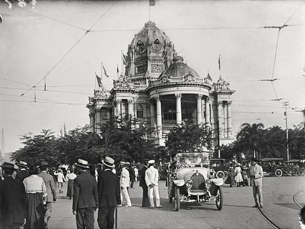 Palácio Monroe, imagem de Alberto de Sampaio feita em 1917 (Foto: Centro Cultural Correios Rio / Divulgação)