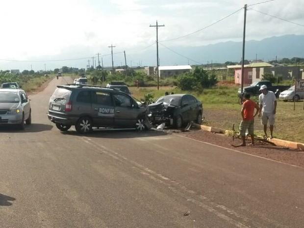 Acidente aconteceu na manhã deste sábado na cidade guianense de Lethem, fronteira com o Brasil (Foto: Divulgação/PM)