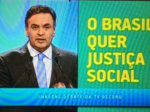 Aécio Neves critica no horário eleitoral a gestão da Petrobras