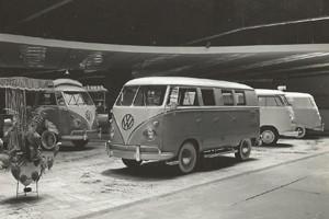 Versão de 6 portas estreia no Salão do Automóvel de 1960 (Foto: Divulgação)