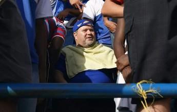 Fanático pelo clube, prefeito cumpre promessa e faz barba no Leão do Sul