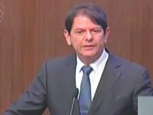 No último discurso como governador, Cid destaca avanços na educação (Foto: TV Assembleia/Reprodução)