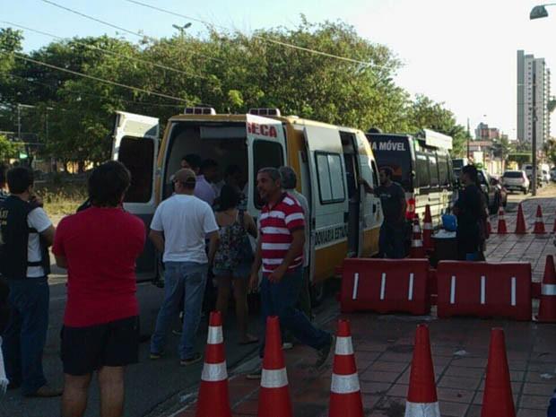 Primeira blitz aconteceu na Rua Walter Duarte, em Capim Macio (Foto: Divulgação/Polícia Militar do RN)