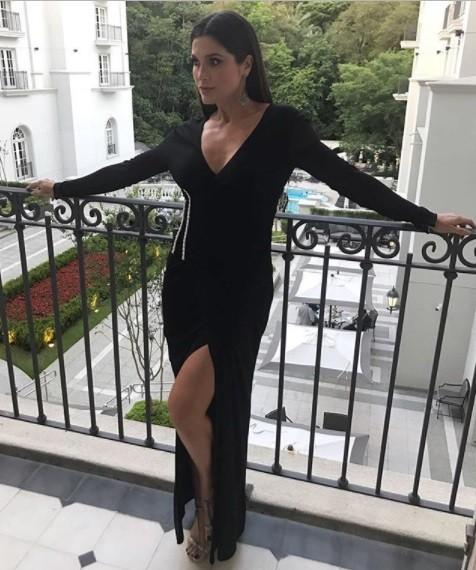 Flavia Alessandra: a atriz instantes antes de ir para o gala beneficente em São Paulo (Foto: Reprodução/ Instagram,)