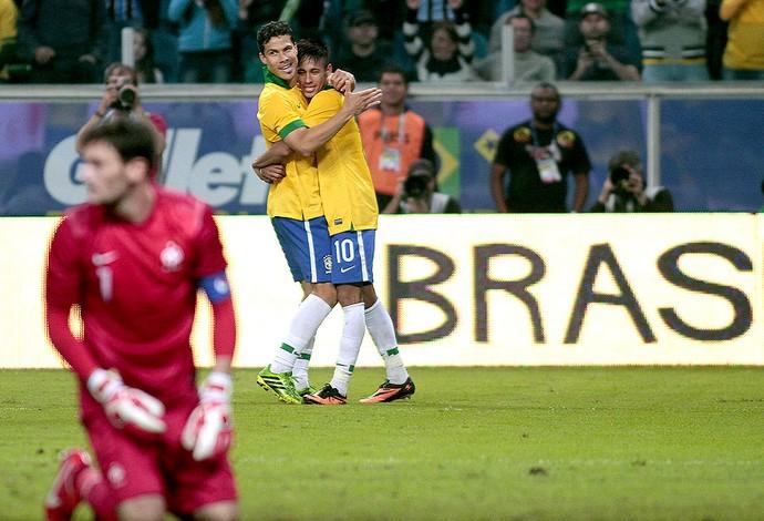 hernanes neymar brasil frança amistoso arena do grêmio (Foto: Agência EFE)