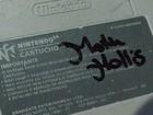 Martin Hollis autografa cartucho (Katherine Coutinho / G1)