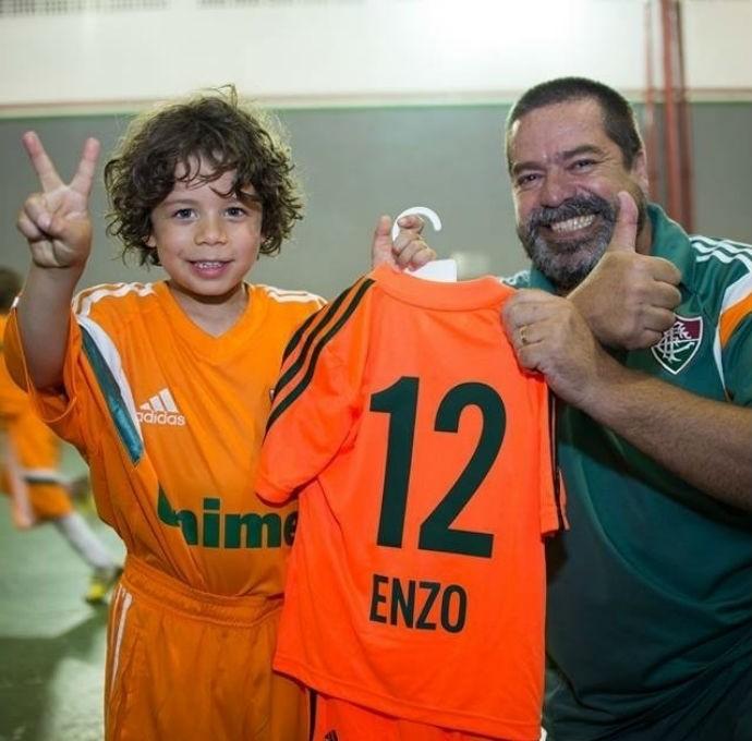 Filho de Marcelo posa com camisa do Fluminense 2858dbc1c4f4b