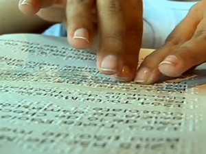 Cardápios em braille (Foto: Reprodução/PEGN)