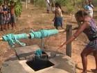 Comunidade está sem abastecimento há 3 meses e usa água suja de poço