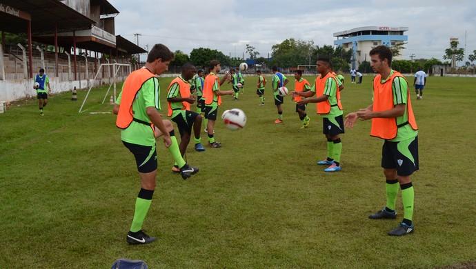 Ji-Paraná intensifica treinos (Foto: Roger Henrique)