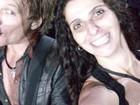 Mulher que beijou Jon Bon Jovi no palco diz que passou a noite em claro