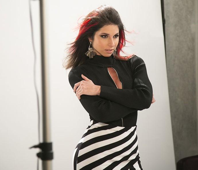 Carmela sonha em ter uma carreira como modelo (Foto: Raphael Dias/Gshow)