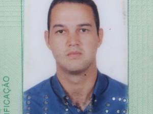 Guilherme Ferreira Goulart foi socorrido, mas não resistiu aos ferimentos e morreu no local. (Foto: Reprodução)