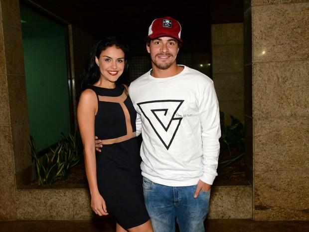 Paloma Bernardi e Thiago Martins em festa na Zona Oeste do Rio (Foto: Leo Marinho/ Brazil News)
