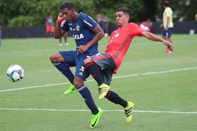 Berrío treino Flamengo (Foto: Gilvan de Souza/Flamengo)