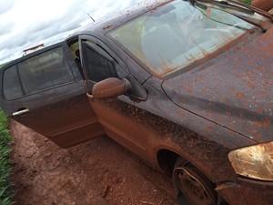 Carro de agente roubado por presos é encontrado próximo a Capinópolis (Foto: Divulgação/Polícia Militar)