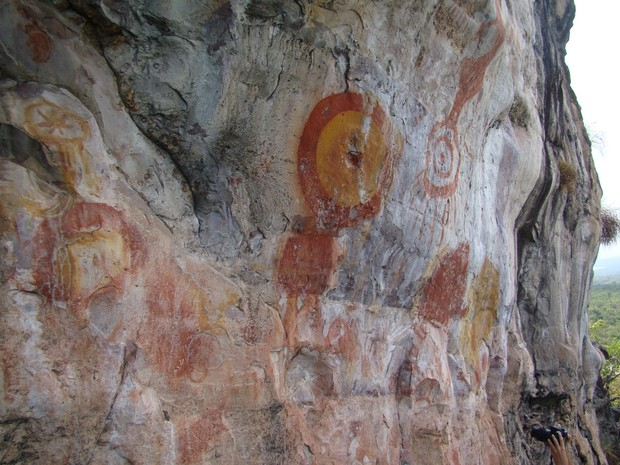 g1 exposição retrata arte rupestre de monte alegre em belém
