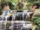 Isis Valverde posa com namorado em cachoeira: 'Eu e ele, ele e eu'