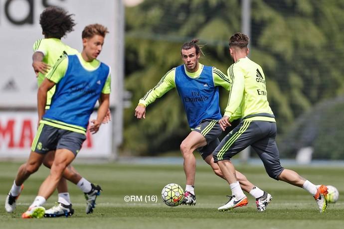 Bale volta aos treinos com o grupo (Foto: site oficial Real Madrid)