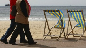 Caminhar uma hora por dia reduz risco de cancer de mama em 14%, diz pesquisa. (Foto: BBC)