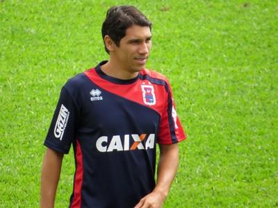 Lucio Flavio Meia do Paraná Clube (Foto: Fernando Freire)