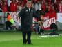 Pego de surpresa, técnico brasileiro do Tigres nega interesse em Guerrero