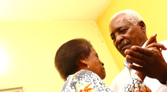 Antônio Silva e Terezinha Silva estão juntos há 45 anos e não deixam a chama do amor apagar (Foto: reprodução EPTV)