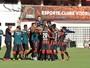 Robert marca, Vitória bate o Feirense  e dorme líder do Campeonato Baiano