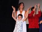 Camila Pitanga leva a filha Antonia em estreia no Festival do Rio