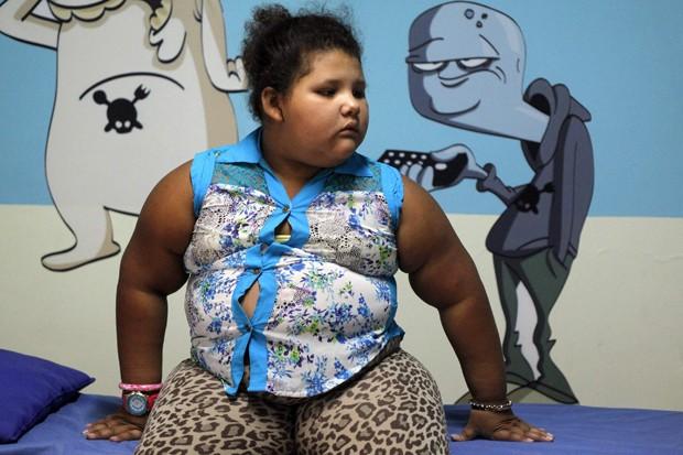 """Dana Garcia, de 8 anos, após um check-up na clínica da fundação """"Gorditos de Corazón"""" (Foto: Reuters/Fredy Builes)"""