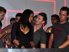 Ariadna troca carinhos com o ex em boate: 'O que rola é amizade colorida'