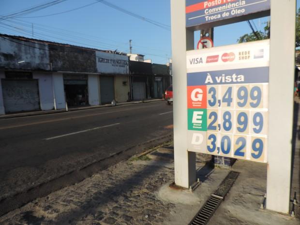 Posto de combustíveis nao bairro de Campo Grande, no Recife (Foto: Bruno Marinho/G1)