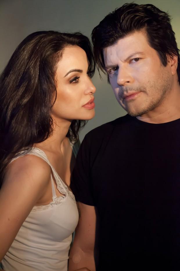Sósia de Angelina Jolie e Paulo Ricardo (Foto: Marcos Ribas/Brazil News)