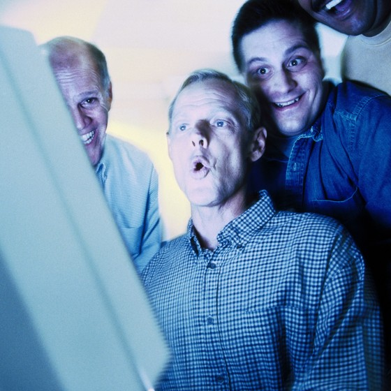 Recebeu o vídeo que vazou daquela colega do financeiro? Que tal apagar? (Foto: Crédito Thinkstock / Getty Images)