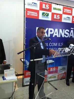 Prefeito anuncia doação de áreas para Infraero (Foto: Fernanda Resende/G1)