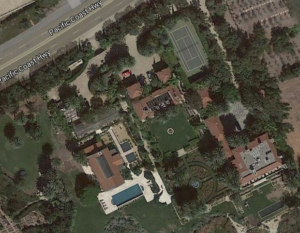 Imagem de satélite da mansão alugada por Beyoncé (Foto: Reprodução/GoogleMaps)