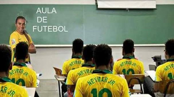 """Marta dá aula de futebol para """"Neymars"""" em meme (Foto: Reprodução/Twitter)"""